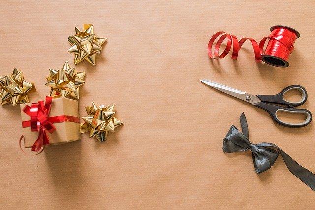 Příprava na balení dárků